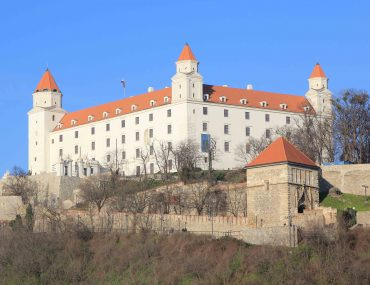 Danube River, castle, sightseeing, tourist attraction, old town,