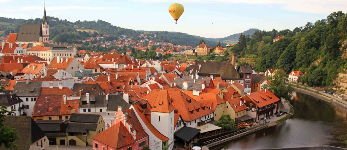 Krumlov Castle, Cloak Bridge, Balloons, Czech Republic