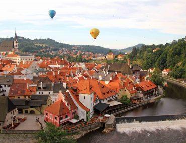 Krumlov Castle, Viewpoint, sightseeing, travel, moldau, balloons, view