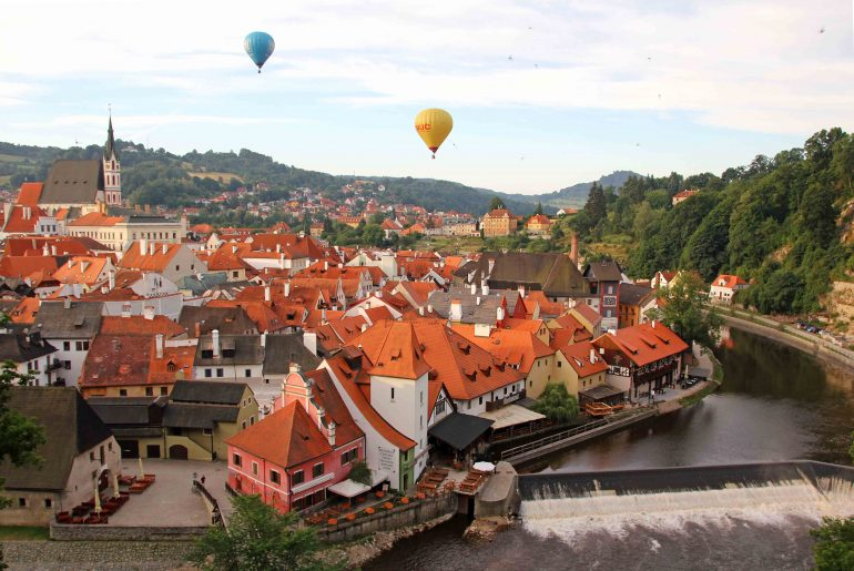 Krumlov Castle, Viewpoint, sightseeing, travel, moldau, balloons, view