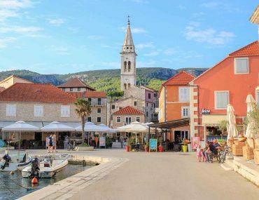 Jelsa, Insel Hvar, Stadt, Urlaubsort, Kroatien