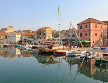 Vrboska, Insel Hvar, Urlaubsort, Kroatien
