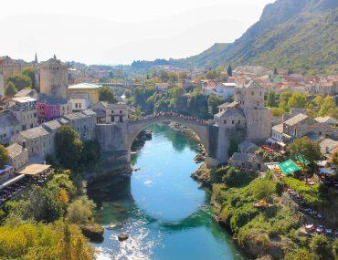 Koski Mehmed Pasa Moschee, View, Old Bridge of Mostar