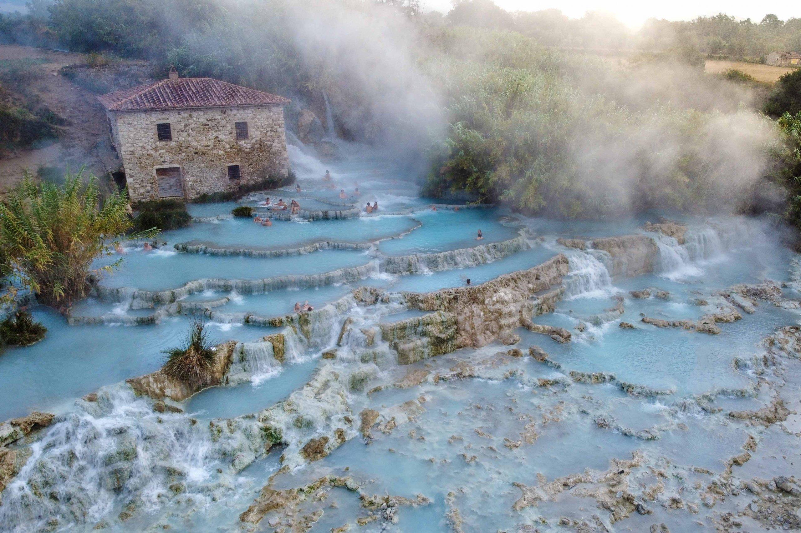 Saturnia Malerische Quellen der Toskana   PlacesofJuma